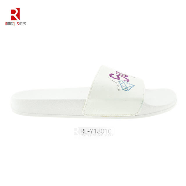 Embroidered upper summer comfortable beach slider slippers