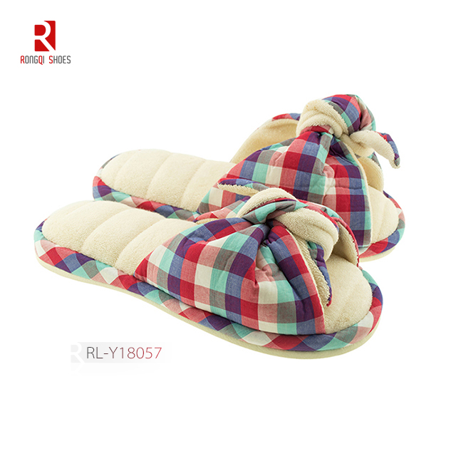 Wholesale fancy winter indoor cotton women slippers with knot and logo and print customized